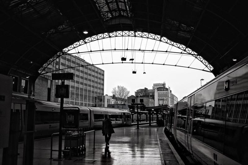0VICTORIA station.jpg